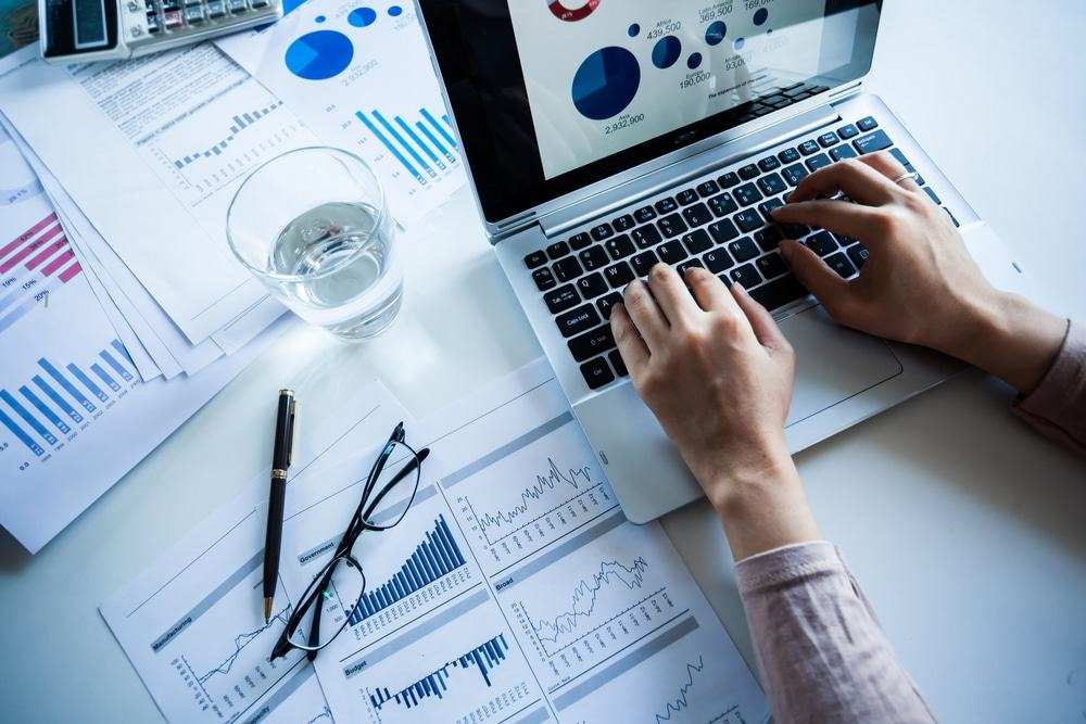 marketing strategies for stock broker