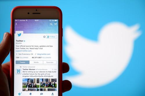 Twitter Considers Premium Subscription Service As Revenue Drops